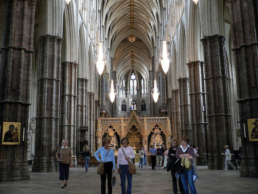 Westminster Abbey: The interior of the building. Photo Credit: © Herry Lawford via Wikimedia Commons.
