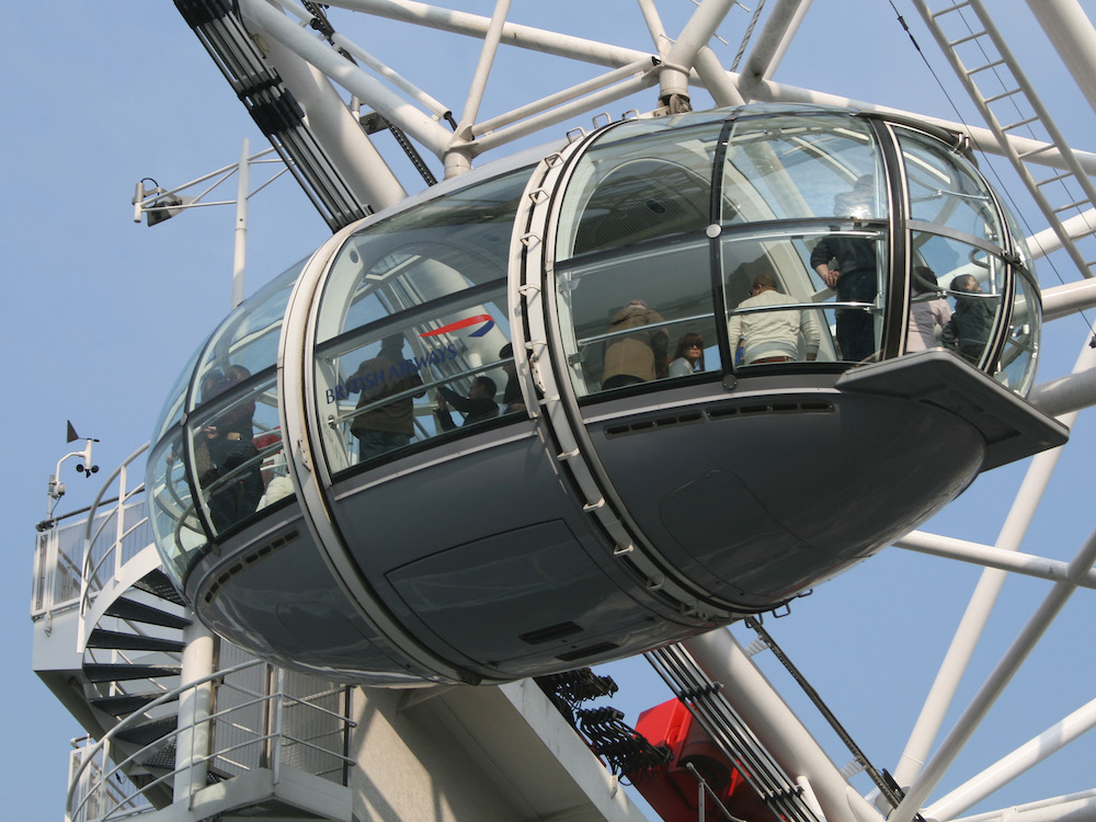 London Eye Capsule. Photo Credit: © Misterweiss via Wikimedia Commons.