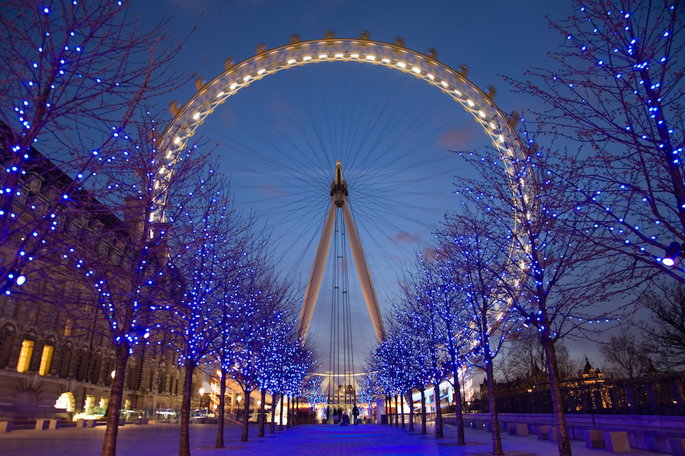 London Eye at Twilight. Photo Credit: © Diliff via Wikimedia Commons.
