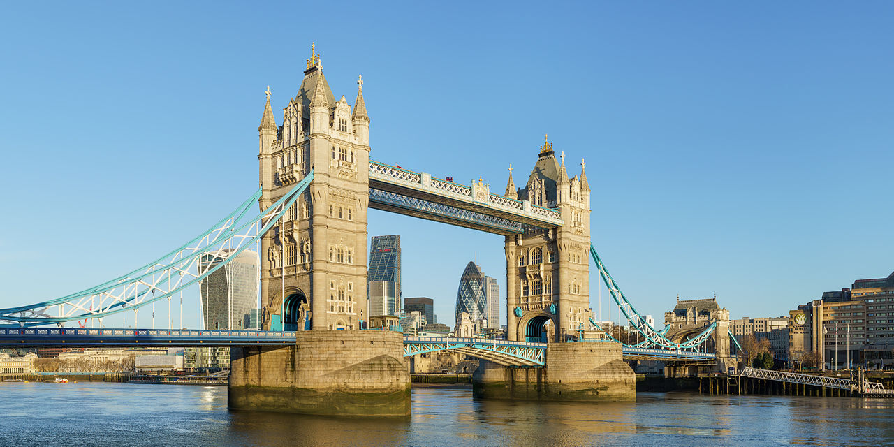 Tower Bridge from Shad Thames. Photo Credit: © Colin / Wikimedia Commons.