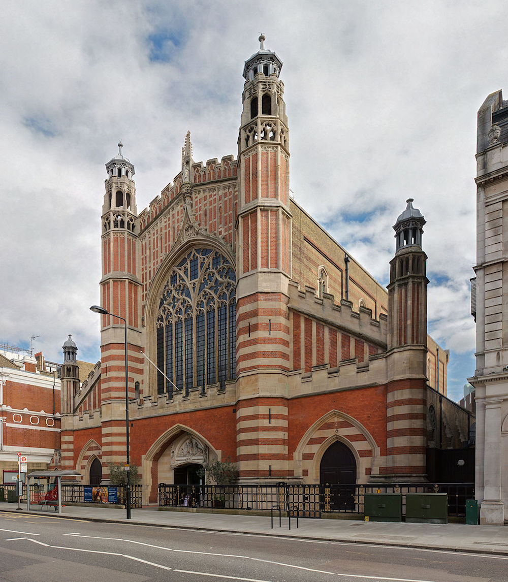 Holy Trinity Church on Sloane Street in London. Photo Credit: © Diliff via Wikimedia Commons.