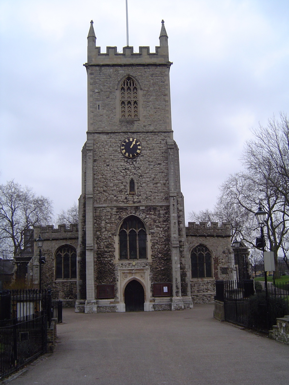 St. Dunstan's Stepney Church in London. Photo Credit: © Gordon Joly via Wikimedia Commons.