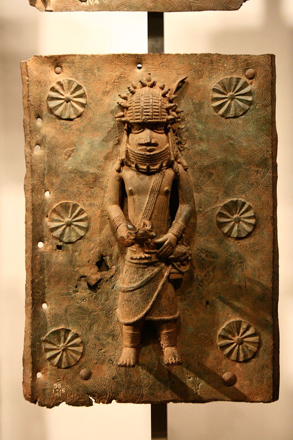 Benin brass plaque at the British Museum. Photo Credit: © Michel Wal via Wikimedia Commons.