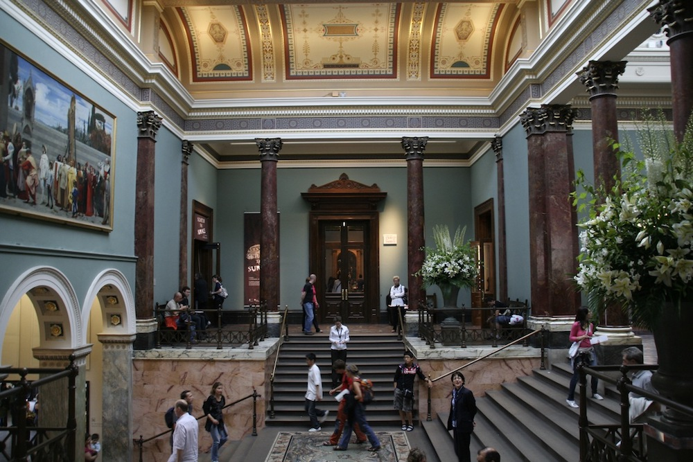 The Staircase Hall at the National Gallery in London, designed by Sir John Taylor in 1884–7. Photo Credit: Rudolf Schuba via Wikimedia Commons.
