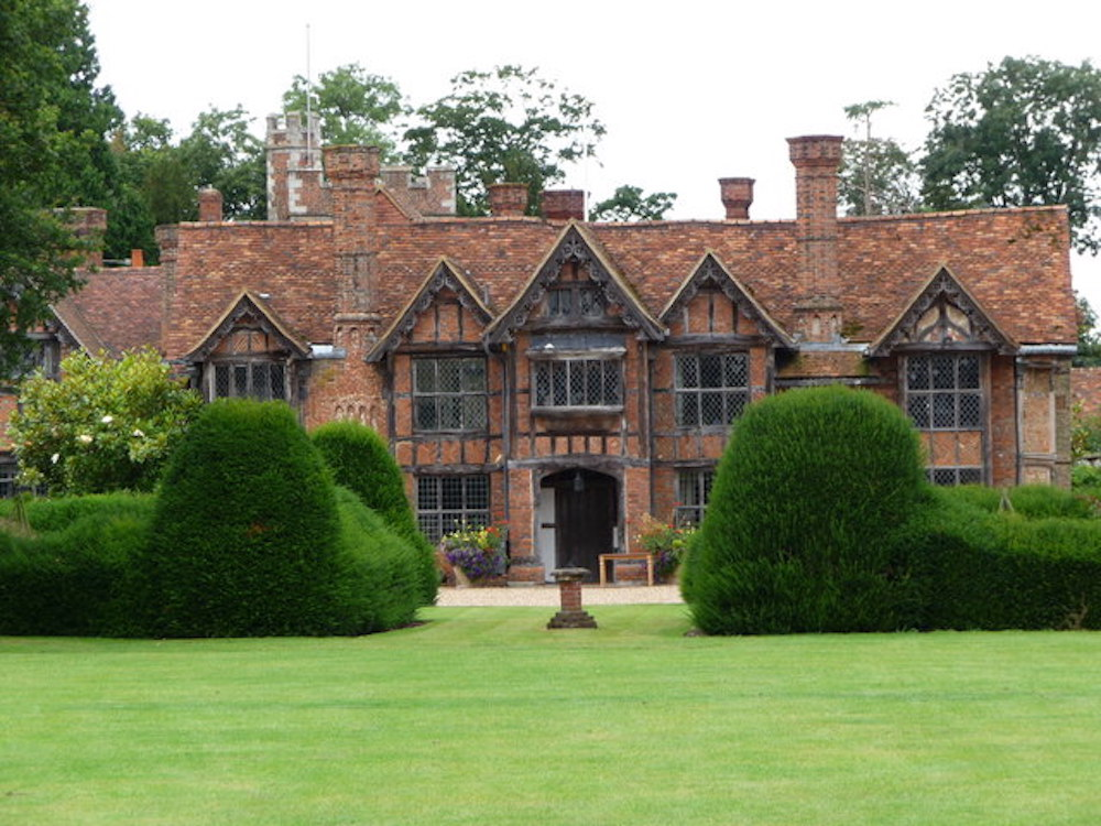 Dorney Court an early Tudor manor house in Buckinghamshire, England. Photo Credit: © Kevin White via Wikimedia Commons.
