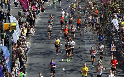Amateur participants in Virgin London Marathon. Photo Credit: © Chmee2 via Wikimedia Commons.